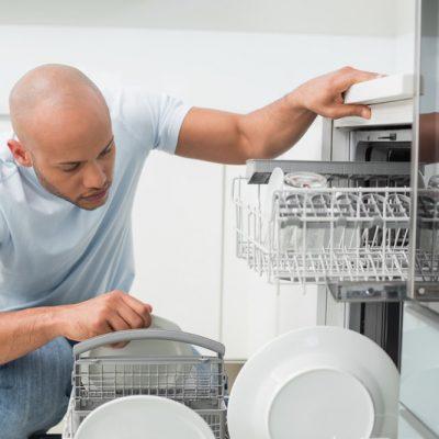 Schoonmaken van de vaatwasmachine